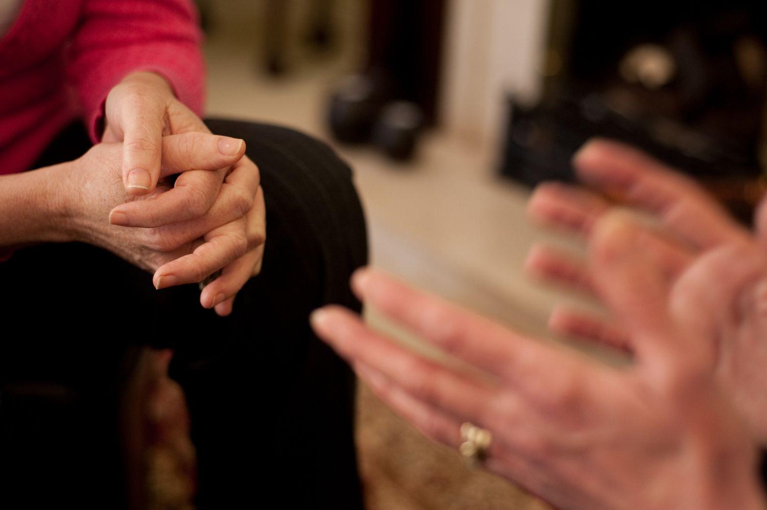 Как диалектическая поведенческая терапия (ДБТ) может помочь людям с ПТСР