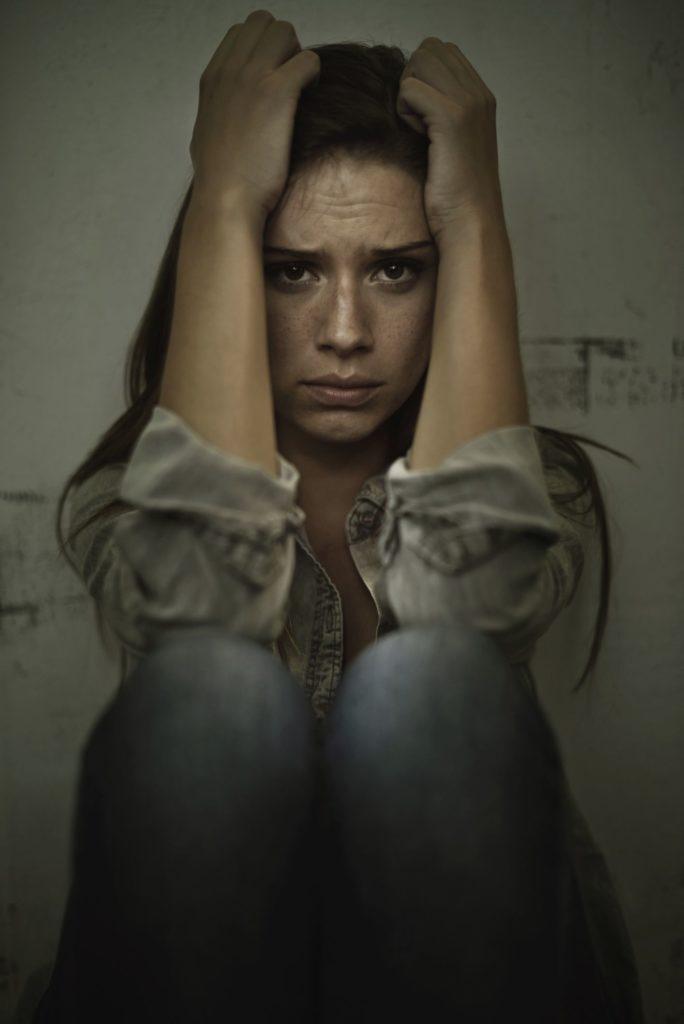 Как интоксикация от алкоголя, наркотиков или лекарств может вызвать бред