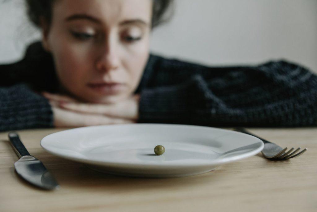 Как лечат расстройства пищевого поведения, когда у вас БЛД