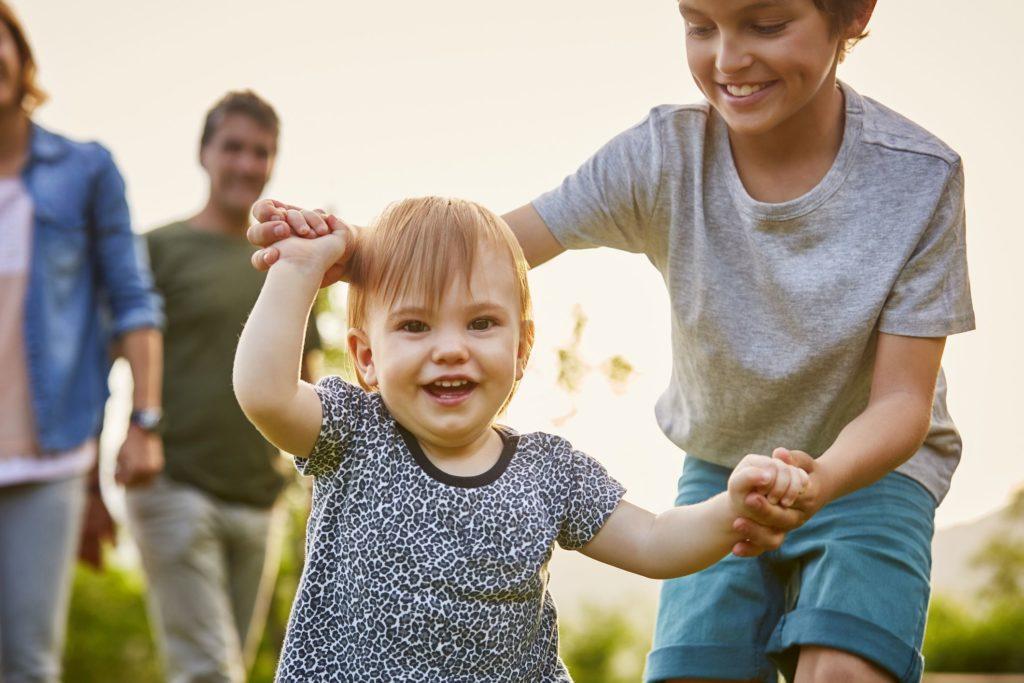 Как научить детей старшего возраста быть ролевыми моделями