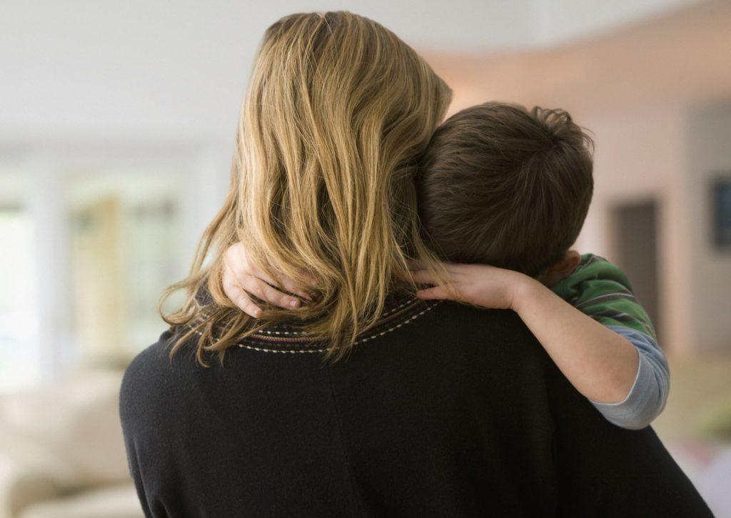 Как поговорить с детьми о злоупотреблении психоактивными веществами в семье