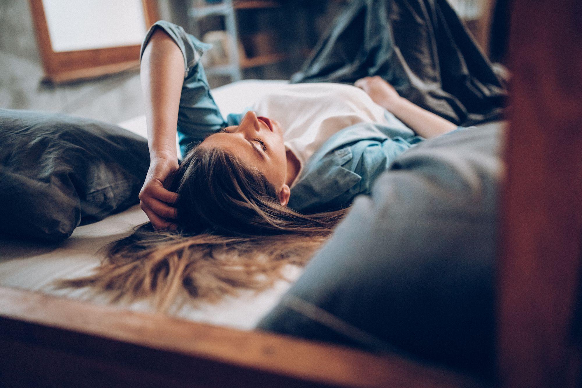 Как предменструальные симптомы и PMDD могут ухудшить биполярное расстройство