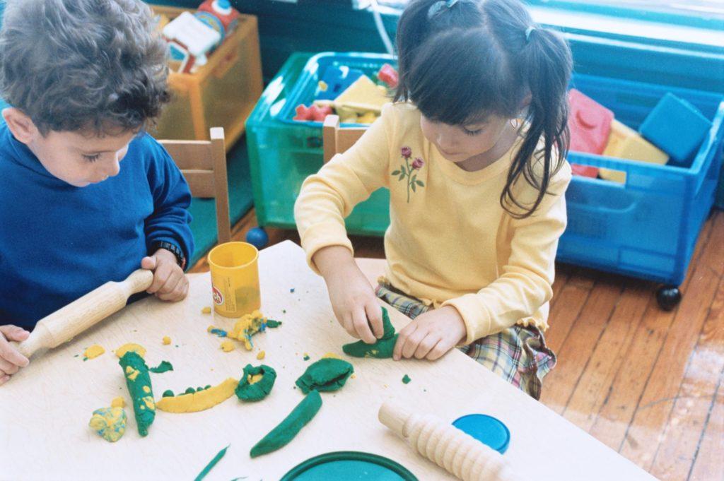 Как сенсорная игра помогает развитию ребенка?