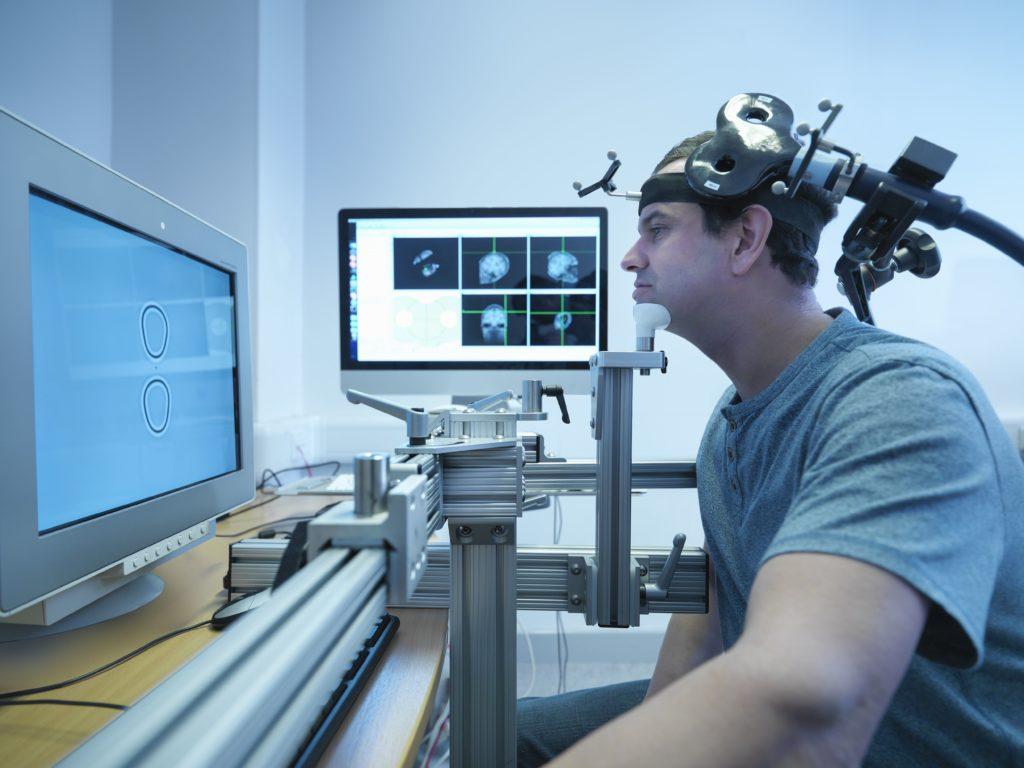 Как транскраниальная магнитная стимуляция эффективно лечит ОКР?