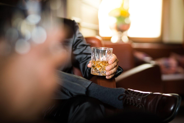 Как Antabuse лекарства помогает пьющим оставаться трезвым