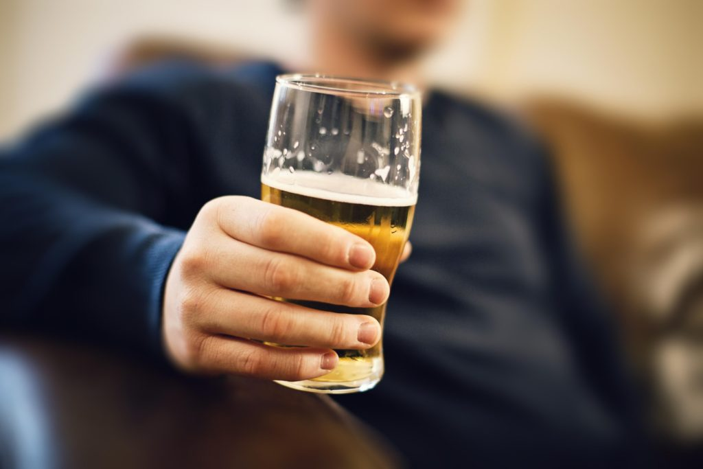Можете ли вы пить безалкогольное пиво на Antabuse?