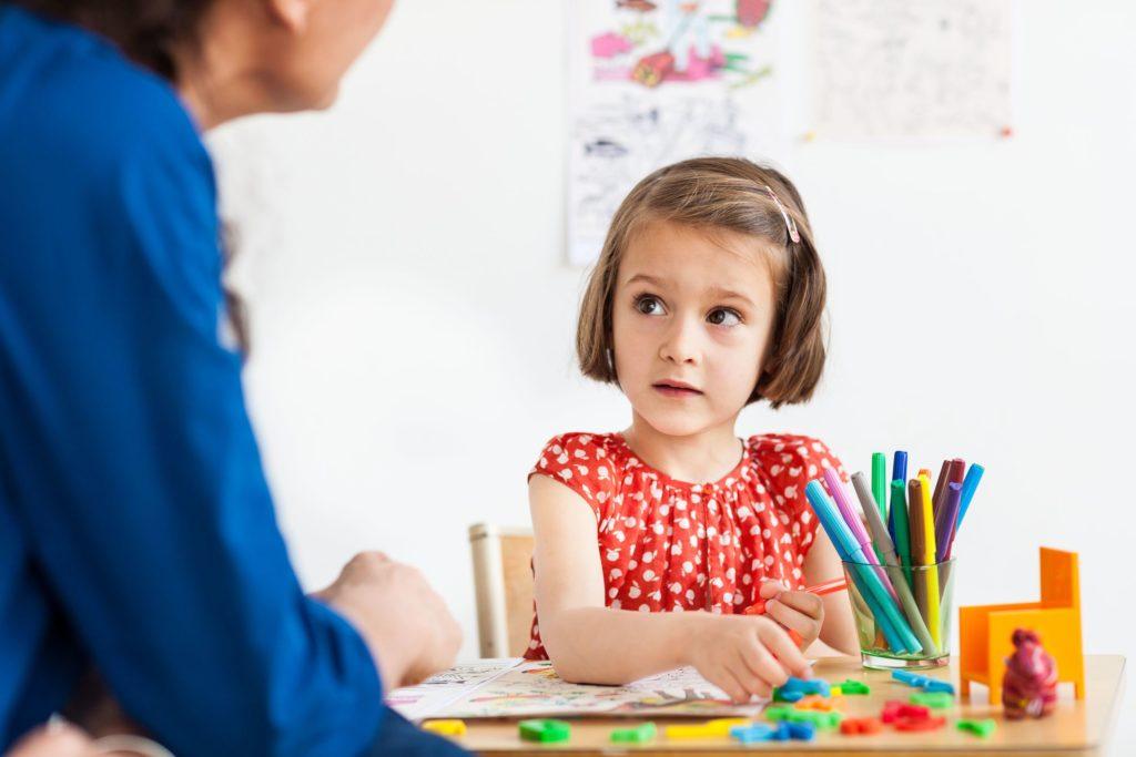 Может ли мой ребенок получить пользу от игровой терапии?