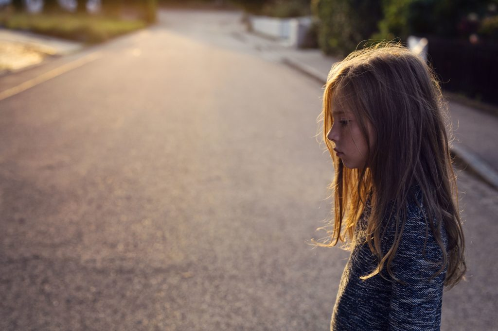Обнаружение предупреждающих признаков депрессии у маленьких детей