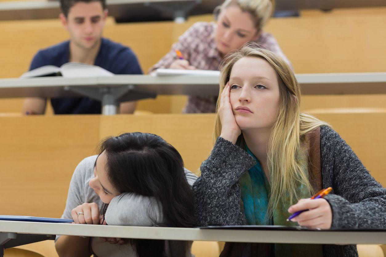 Помогите своему колледжу Первокурсник Переход от средней школы к колледжу