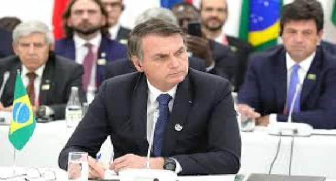 Президент Бразилии Bolsonaro и другие мировые лидеры, которые дали положительный результат на COVID-19