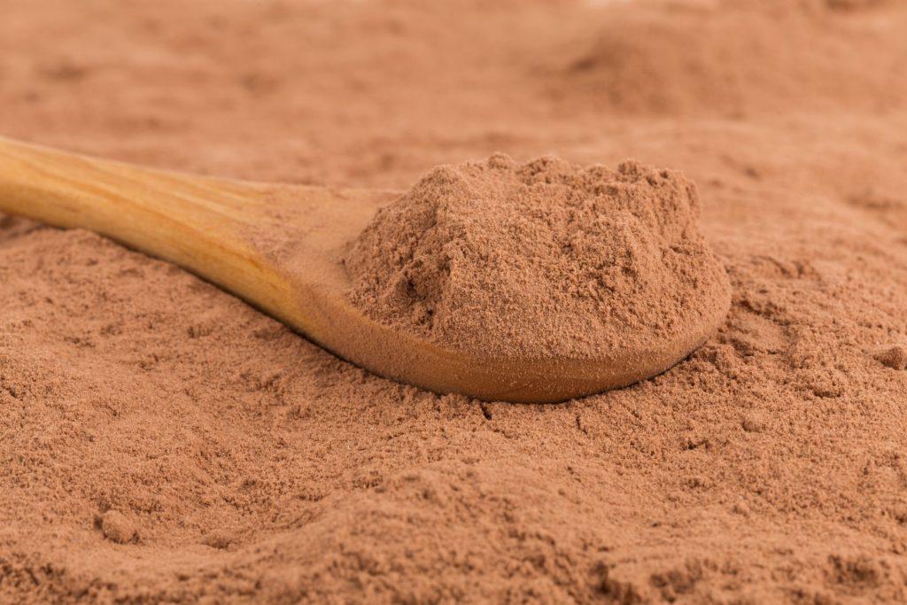 Различные эффекты в вашем теле, когда вы нюхаете какао-порошок