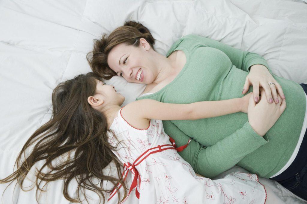 Советы по объяснению беременности и родов детям