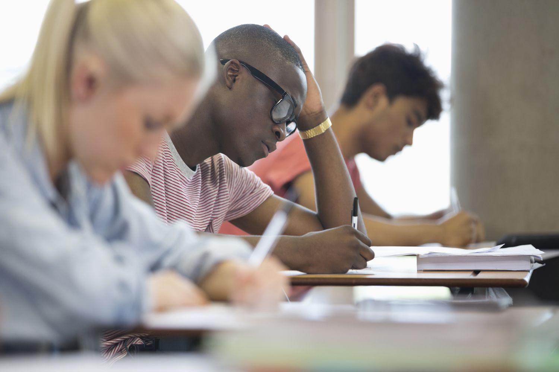 Специфические трудности в обучении у людей с ПТСР