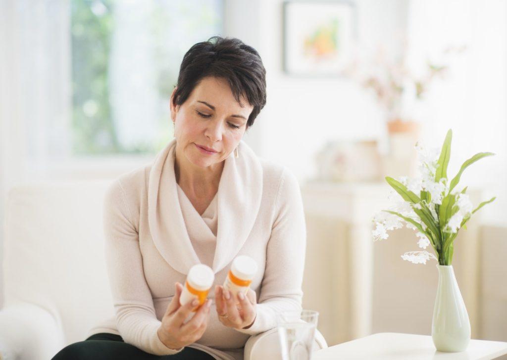 Стоит ли обращать внимание на сроки годности лекарств?