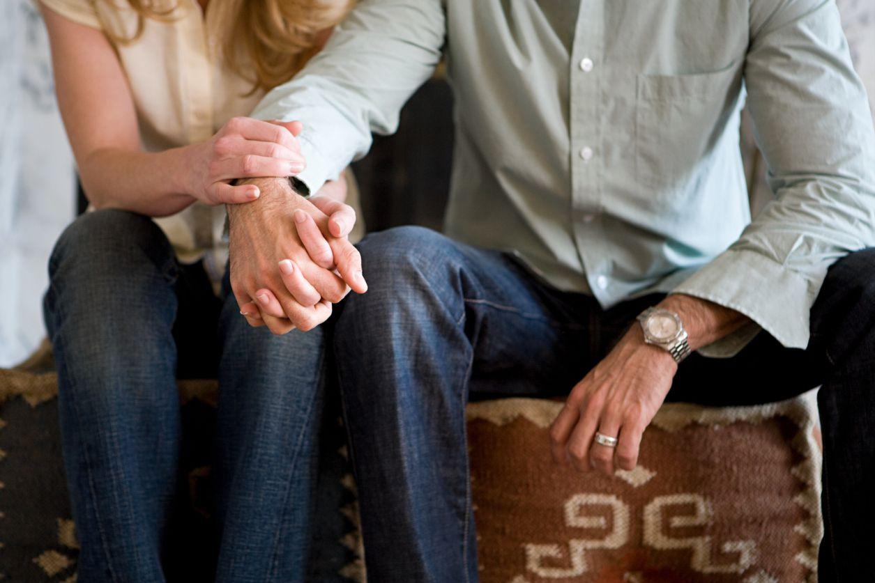 Супружеская поддержка может улучшить выздоровление алкоголика или наркомана