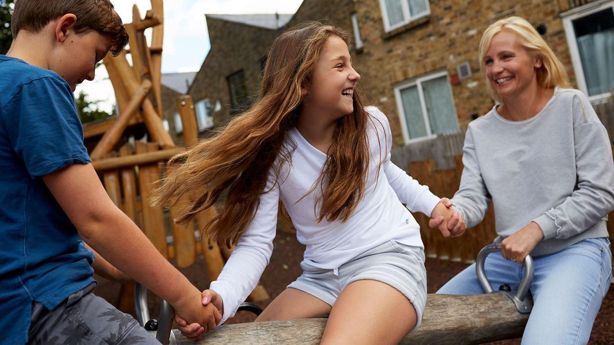 Три вещи, которые я бы сказал своему младшему Я Какой совет вы бы дали своему младшему себе?  Думая о трех вещах, которые вы бы сказали своему младшему себе, - это отличный способ узнать, как далеко вы продвинулись, и развить чувство собственного достоинства - как делится Лаура.