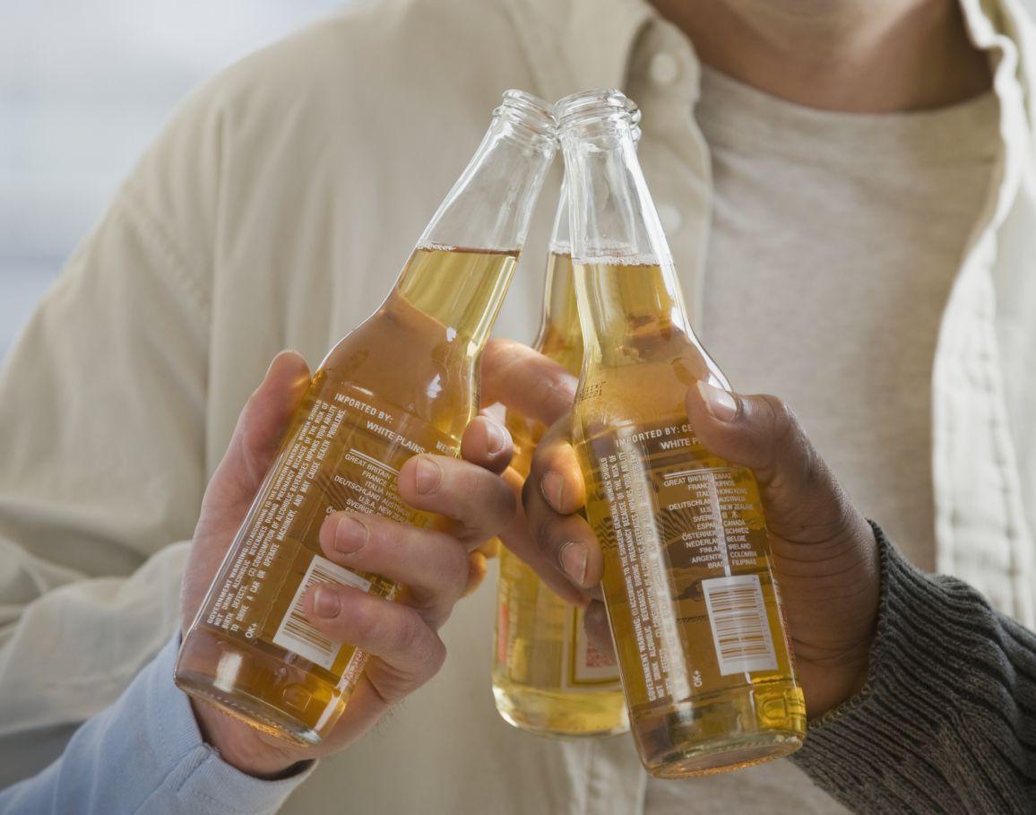 Умеренное употребление алкоголя не обеспечивает защитных эффектов для чернокожих
