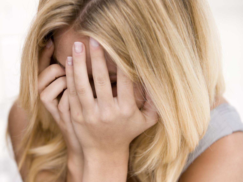 Является ли ПТСР причиной домашнего насилия в отношениях?
