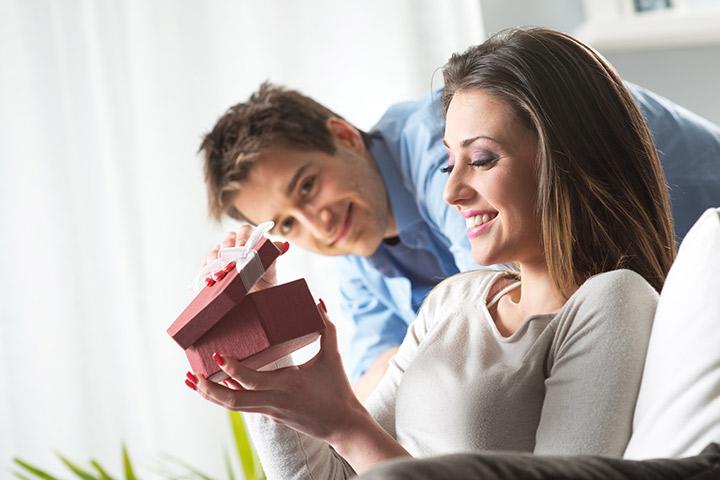 13 сюрпризов, которые женщина любит иметь от своего мужа
