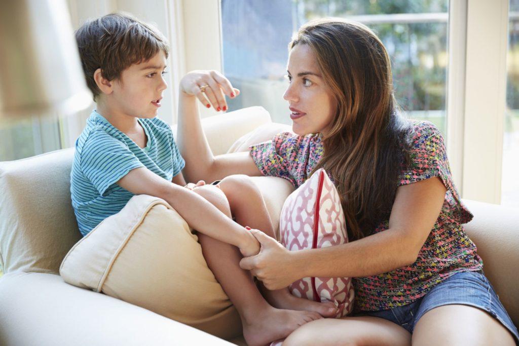 3 распространенных причины, по которым дети лгут (и как вы должны реагировать)