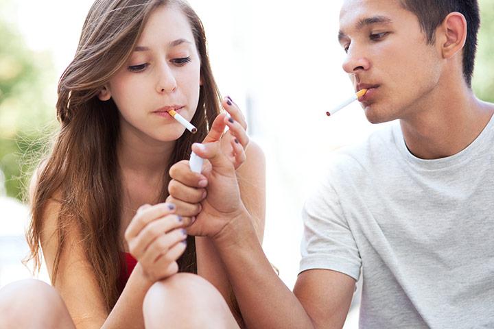 курящий подросток